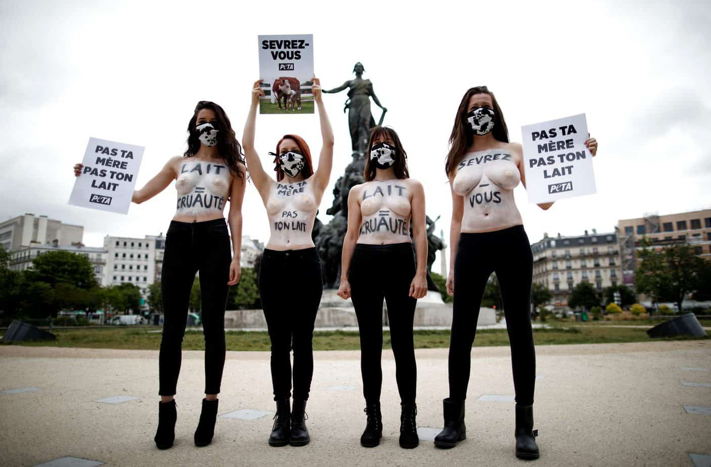 Animal rights activists nude in Paris: Not your mother