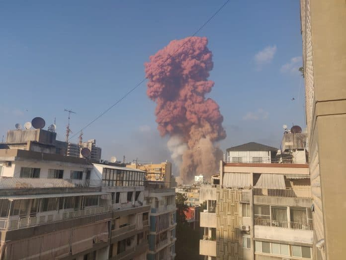 Smoke is seen after an explosion in Beirut, Lebanon August 4, 2020, photo: Talal Traboulsi/Reuters