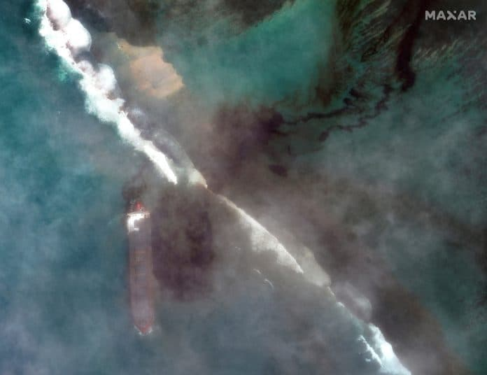 A satellite image shows the ship MV Wakashio and its oil spill after it crashed off the southeast coast of Mauritius, August 7, 2020. Satellite image: Maxar Technologies/Reuters