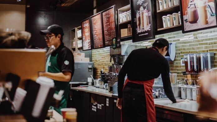 Starbucks location, photo:Asael PeñaonUnsplash