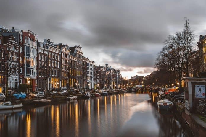 Amsterdam, Photo by Azhar J on Unsplash