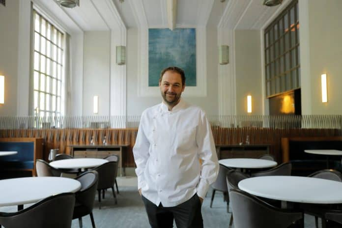 Chef and owner Daniel Humm in restaurant Eleven Madison Park, New York, photo: Reuters/Lucas Jackson