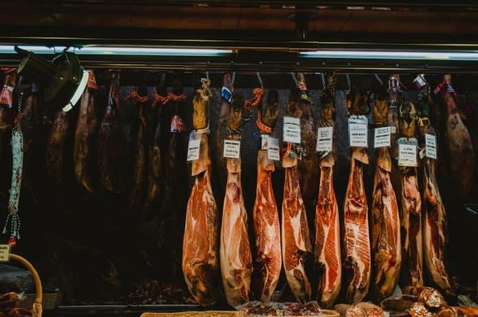 Meat for sale in Spain, photo: Z S on Unsplash